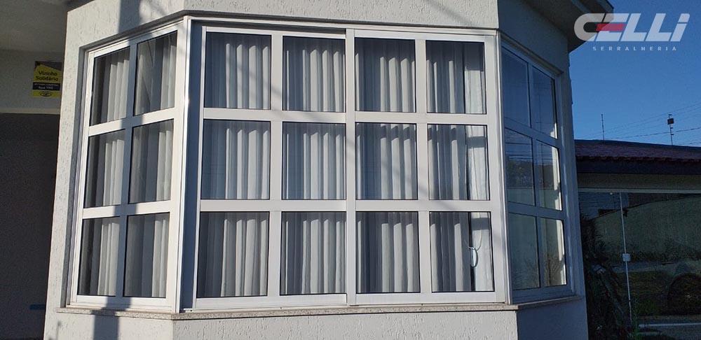 janela em aluminio e vidro incolor 4mm